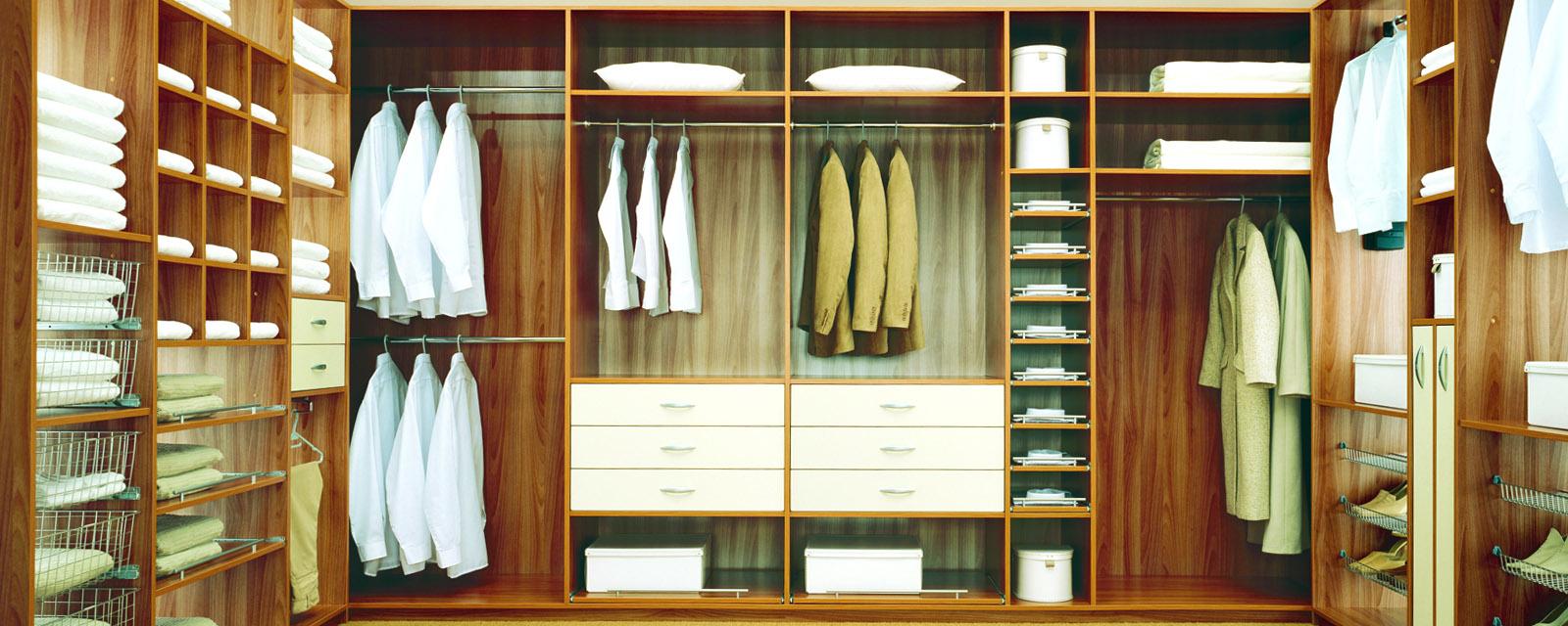 Beépített szekrény, gardrób szekrény