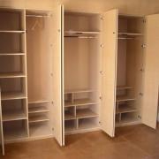 Beépített szekrény, gardrób szekrény ruhalifttel felszerelve