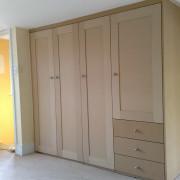 egyedi méretű beépített szekrény, gardrób szekrény