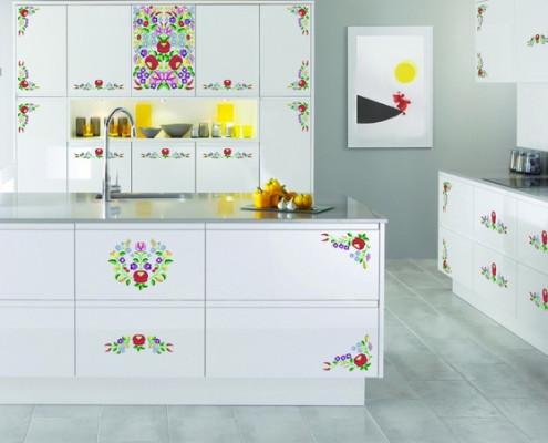 Kalocsi mintás konyhabútor készítése