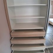 beépített szekrény fiókok